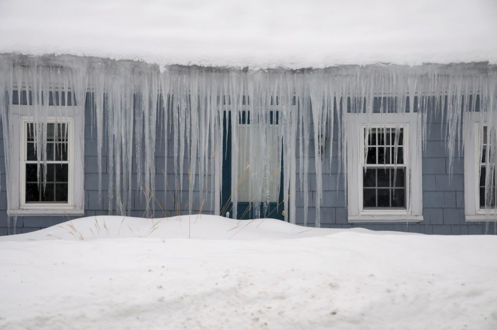 icicles are the result of ice dams